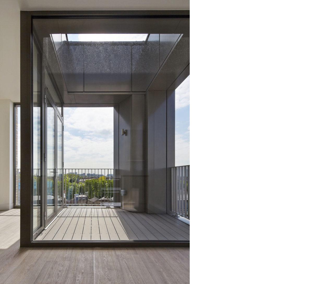 Alison Brooks Architects _ South Kilburn Estate Regeneration _ Bronte and Fielding _ Photo Interior Balcony