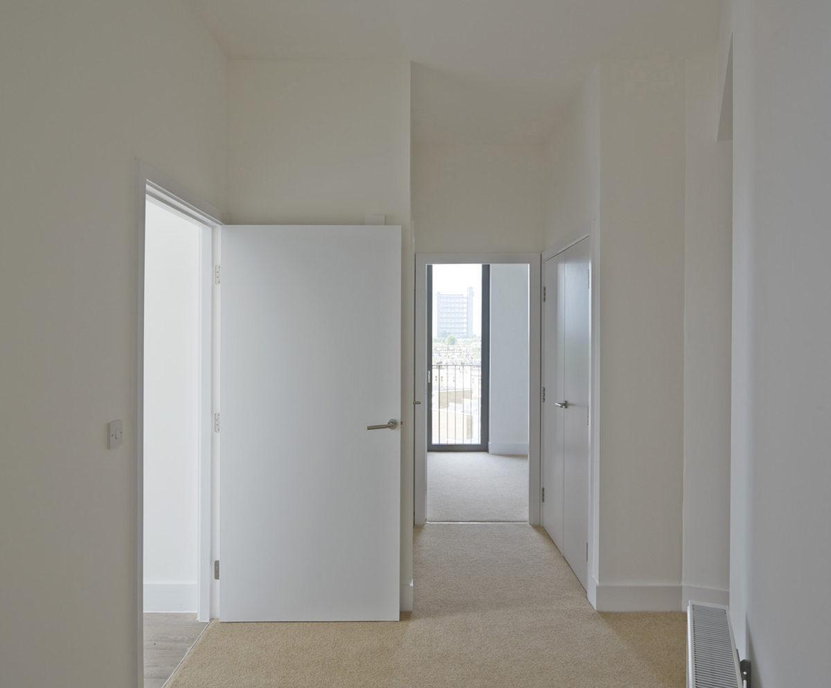 Alison Brooks Architects _ South Kilburn Estate Regeneration _ Bronte and Fielding _ Photo Interior Corridor 1