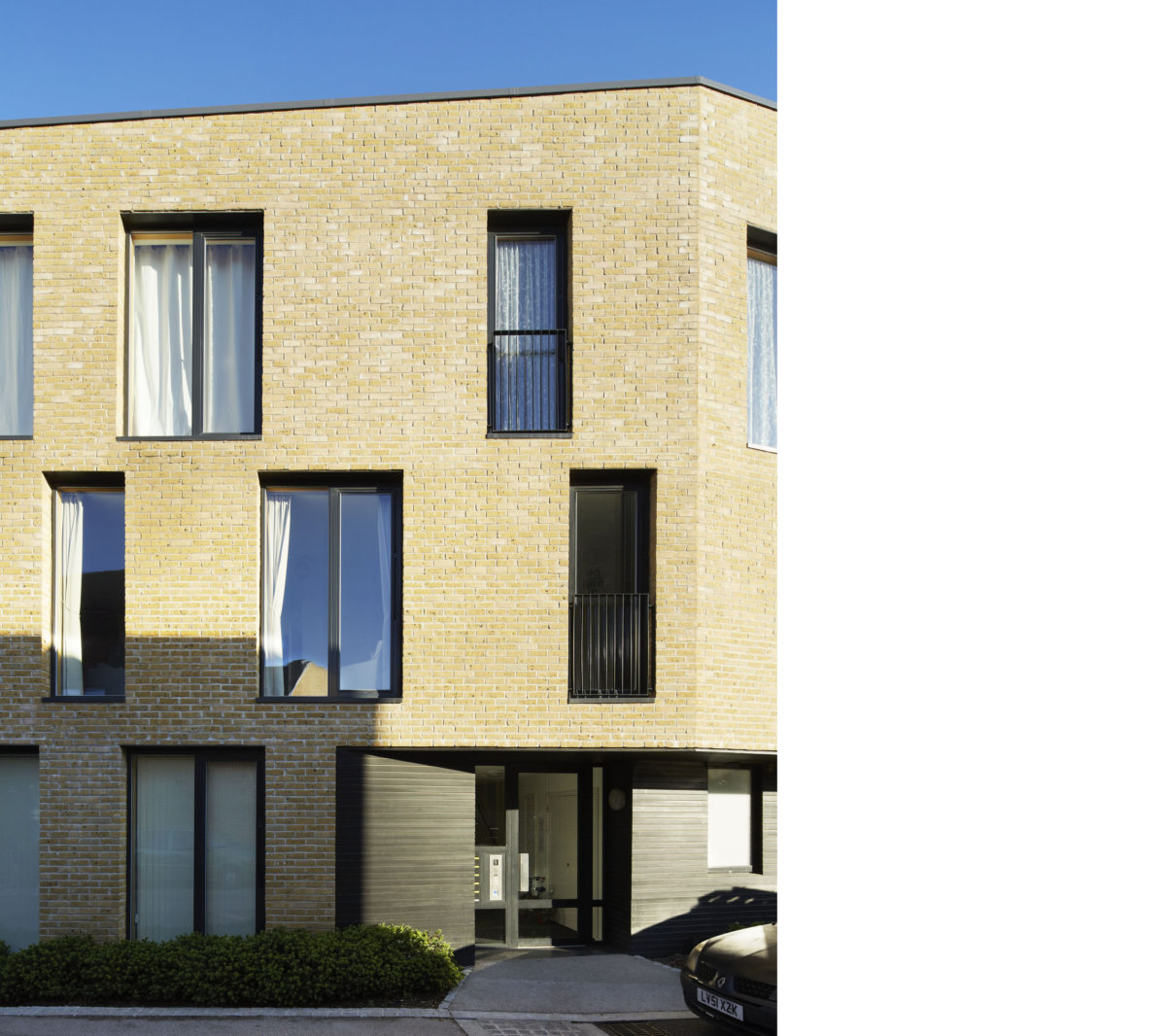 Alison Brooks Architects _ Newhall Be _ Harlow Essex _ Photo Apartments Entrance